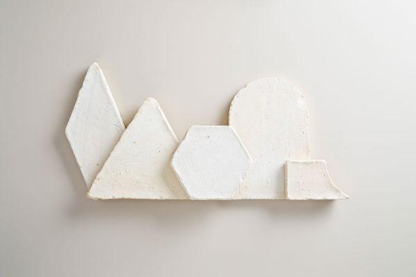 baldosas en blanco antiguo hechas a base de barro cocido