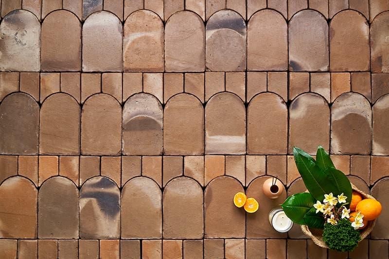 suelo de barro artesanala, material óptimo para la construcción Passivhaus