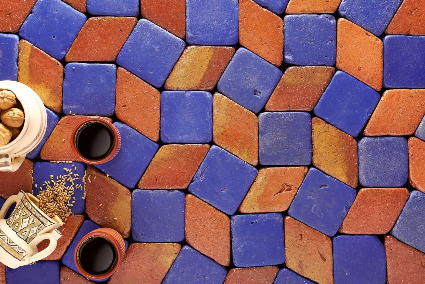 Tonalidad añil en azulejos esmaltados